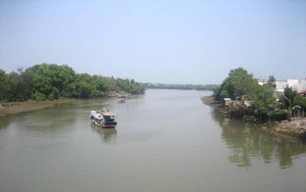 Sông Cần Giuộc còn được gọi Rạch Cát. Ảnh: Phanxipăng