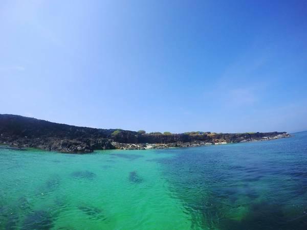 Màu nước trong xanh đẹp tuyệt vời.