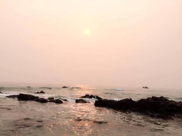 ... và ngắm hoàng hôn để cảm nhận được hết không khí, cũng như cảnh sắc thiên nhiên khi kết thúc một ngày trên hòn đảo này như thế nào.