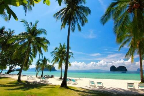 Trài dài tại bờ biển Andaman ngoài xa miền Nam Thái Lan, đảo Trang sở hữu nét đẹp nguyên sơ cuốn hút lòng người