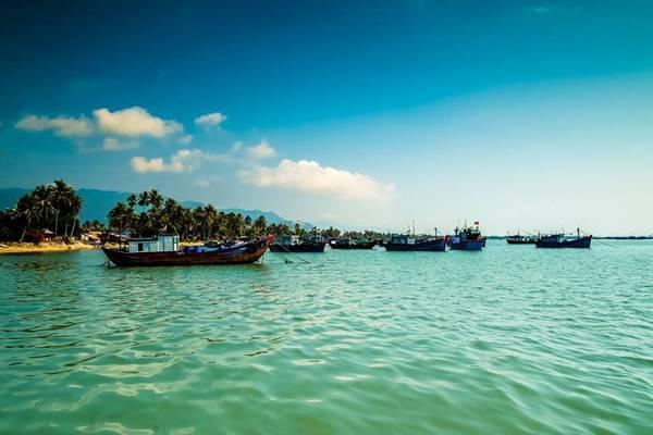 """Điệp Sơn là một hòn đảo đẹp, hoang sơ, là món quà tuyệt vời mà mẹ thiên nhiên ban tặng. Đến với Điệp Sơn để cảm nhận sự kỳ diệu và nhớ rằng """"không để lại gì ngoài những dấu chân""""."""