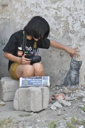 Phố cổ George Town là thủ phủ của Penang. Trong lòng George Town có một khu nghệ thuật đường phố thuộc hàng nổi tiếng nhất châu Á, thu hút nhiều bạn trẻ tới chụp hình.
