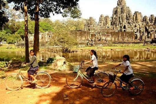 Nắng vàng ở Angkor Thơm. Ảnh: Đặng Sinh.