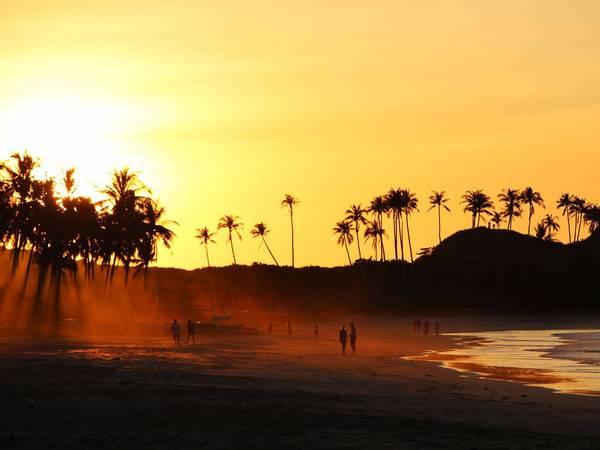 Bãi biển Nacpan (Philippines). Ảnh: Shutterstock/Dino Geromella
