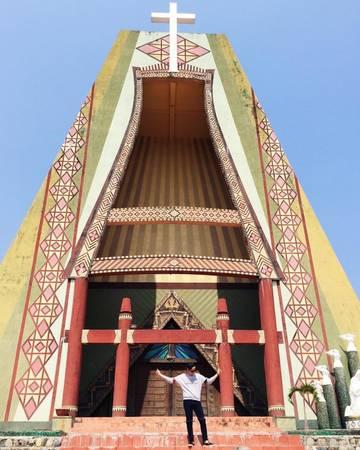 Măng Đen sở hữu rất nhiều công trình tôn giáo ấn tượng. Ảnh: upinpk