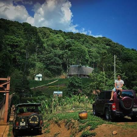 Măng Đen là một thị trấn thuộc huyện Kon Plong, tỉnh Kon Tum, có rừng nguyên sinh và nhiều hồ, thác nước. Khí hậu nơi đây mát mẻ trong lành, thích hợp cho du khách tránh nắng mùa hè. Ảnh:crazyvietnamese