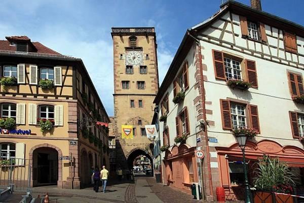 Tháp Bouchers xây dựng từ thế kỷ 13 ở Ribeauvillé - Ảnh: francoeur