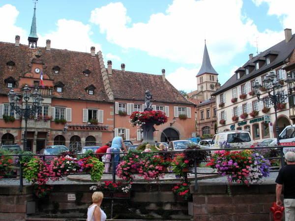 Ngôi nhà của Fiddlers, một di tích lịch sử ở Ribeauvillé - Ảnh: panoramio