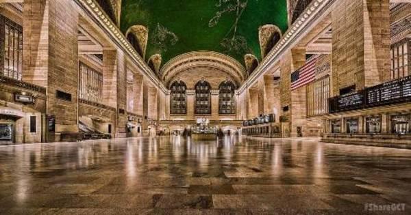 Tất cả giờ xuất phát ở các chặng trong nhà ga Grand Central, New York, luôn bị chậm đúng một phút.