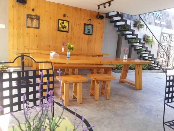 Quán tọa lạc tạisố 9/9 đường Thi Sách, phường 8, gần bãi Sau, Vũng Tàu.