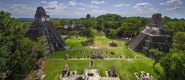 Tikal, Guatemala: Tikal là một trong những vương quốc hùng mạnh nhất trong lịch sử Maya, thịnh vượng từ năm 100 trước Công nguyên tới thế kỷ 9. Quy mô và tầm vóc của nơi này cho thấy sự phát triển ấn tượng của nền văn minh Maya. Ảnh: Airpano.