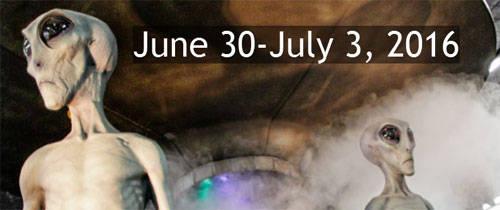 Lễ hội UFO: Lễ hội UFO năm nay tại Roswell, bang New Mexico diễn ra từ ngày 30/6 đến 3/7. Đây là ngày hội dành cho những ai quan tâm tới người ngoài hành tinh. Những người đến lễ hội sẽ được tham gia hàng loạt hoạt động như nghe các diễn giả nói về thế giới ngoài trái đất, cuộc thi trang phục dành cho các vật nuôi ngoài hành tinh...
