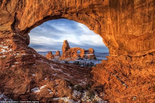 Những khe núi này được hình thành trong tự nhiên, qua hàng trăm nghìn năm.