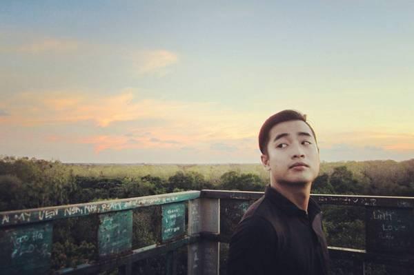 Đến với vườn chim Bạc Liêu, thú vị nhất là đứng trên tháp canh cao bằng ngọn cây ngắm cảnh bên dưới. Ảnh: @rock.ball