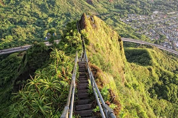 Tuy nhiên, nhiều người dân Hawaii muốn giữ lại và khôi phục tuyến đường được coi là biểu tượng này. Ảnh: Buzzfeed