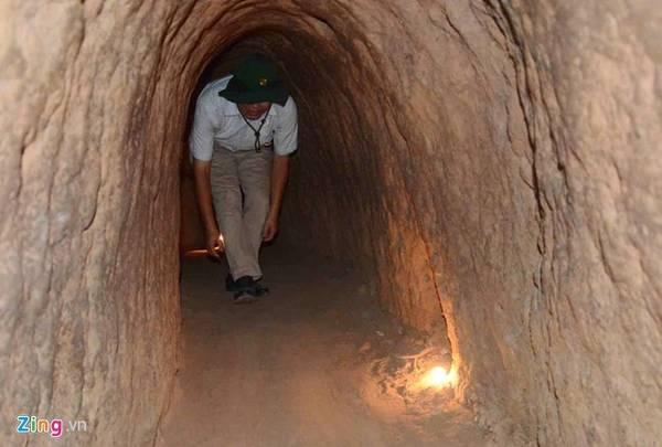 Địa đạo Củ Chi (Củ Chi) cách trung tâm TP HCM khoảng 70 km. Đây là một công trình kiến trúc dài hơn 200 km. Điểm độc đáo của hệ thống đường hầm này là có nhiều tầng, ngõ ngách như mạng nhện. Ảnh: Lê Quân.