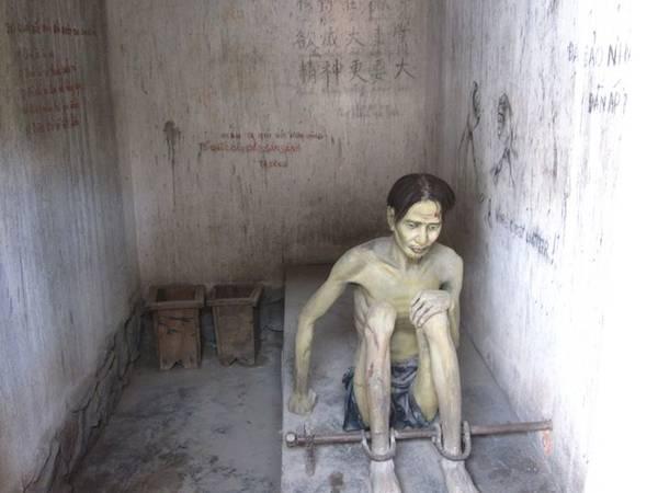 Bảo tàng Chứng tích Chiến tranh (quận 3): Là bảo tàng chuyên về nghiên cứu, sưu tầm, lưu trữ, bảo quản và trưng bày những tư liệu, hình ảnh, hiện vật về những tội ác và hậu quả của các cuộc chiến tranh đã gây ra đối với Việt Nam, bảo tàng hiện lưu giữ hơn 20.000 tài liệu, hiện vật và phim ảnh. Ảnh: Joephebus.