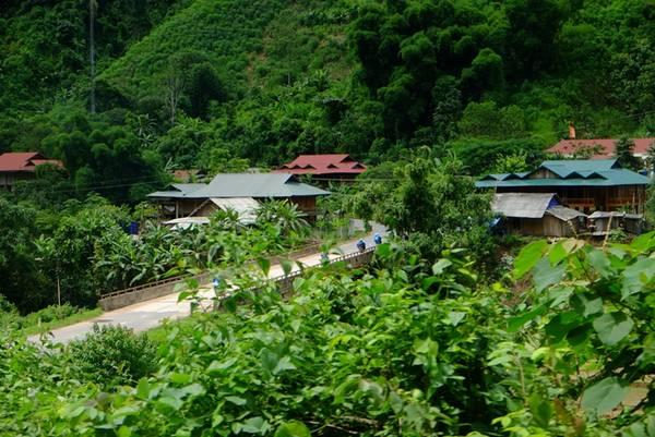 Trân cung đường từ Mường Nhé về Điện Biên. Ảnh: Thành Đặng