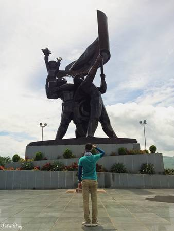Tượng đài chiến thắng Điện Biên Phủ. Ảnh: Tiểu Duy