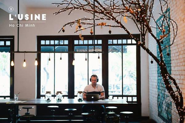 Quán cafe thu hút khách nước ngoài nhất Sài Gòn - L'usine.