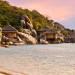 bo-tu-resort-sieu-dep-co-the-tua-son-huong-thuy-o-viet-nam-ivivu-6