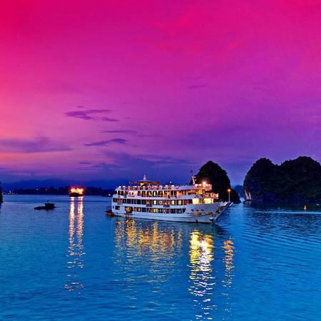 Ngủ đêm trên du thuyền