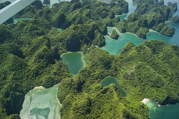"""Những hình ảnh đẹp đến mức """"nghẹt thở"""" của Vịnh Hạ Long từ trên cao. Ảnh: seaplanes.vn"""