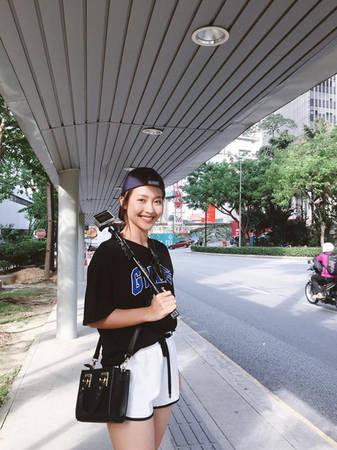 kha-ngan-me-an-mi-xao-lai-xe-dia-hinh-o-malaysia-ivivu-17