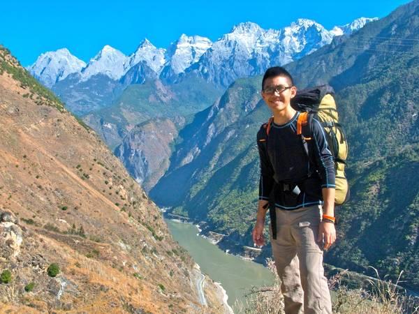 Chiều sâu tính từ đỉnh núi xuống đáy hẻm là gần 3.900m. Khe Hổ Nhảy được xem là hẻm núi sâu nhất thế giới. Ảnh: jeremytongclimbs