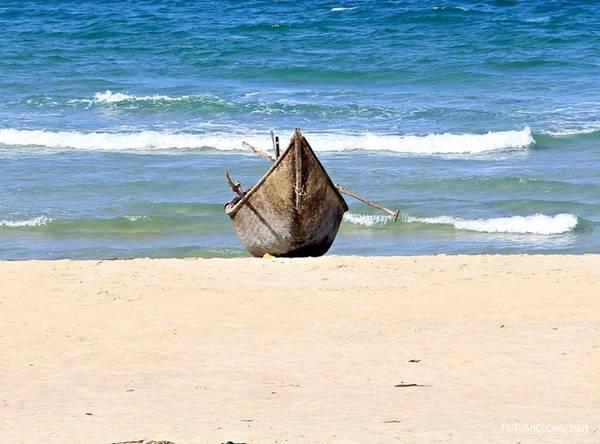 Mặc dù vậy, công việc đánh cá của người dân làng chài vẫn được giữ nguyên.