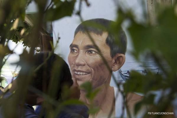 ... hay ảnh chân dung một người dân trong làng.