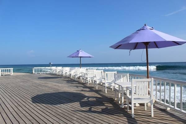 Cinnamon Dhonveli là nơi có những nhà hàng sát biển, nơi hàng đêm vẫn rộn rã tiếng nhạc