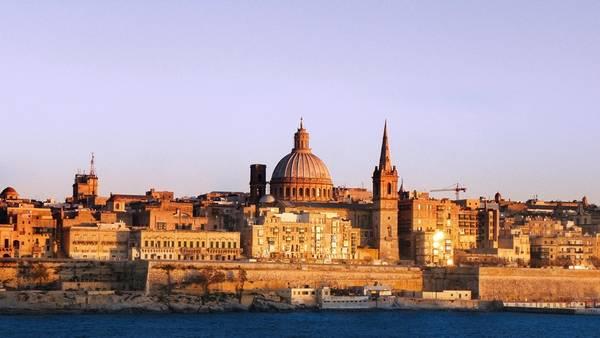 """Valletta là thủ đô của Malta, Di sản Thế giới được mệnh danh là """"bảo tàng ngoài trời"""" và """"thành phố giàu lịch sử nhất thế giới"""". Valletta hình thành từ thế kỷ 16, với nhiều công trình, di tích lưu giữ lịch sử của 5 thế kỷ. Ngày 17/7, doanh nhân Nguyệt Thị Nguyệt Hường đã bị bác tư cách đại biểu quốc hội Việt Nam khóa XIV, do đã nhập quốc tịch Malta. Ảnh: Hdwallpapers."""