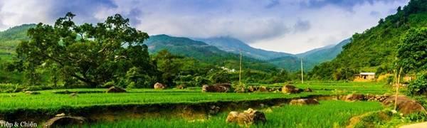 Trên đường đến Bình Liêu (đoạn qua thị xã Mông Dương, Quảng Ninh).