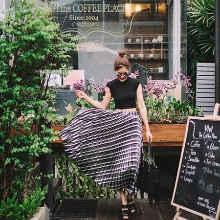 Quán cafe tại Bangkok này có 2 không gian riêng biệt: trong nhà và ngoài trời.Ảnh:@rachwinwong