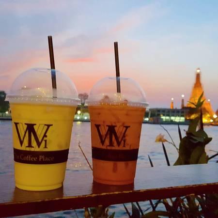 Vivi The Coffee Place đã nhận được rất nhiều lời khen ngợi đến từ các khách du lịch, vài người trong số họ thậm chí còn hào phóng cho rằng, đây chính là quán cà phê view đẹp nhất Bangkok. Ảnh: chat_parakudar