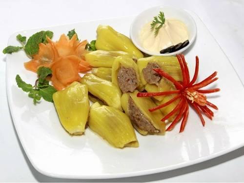 Món ăn này không khó để chế biến, quan trọng nhất là lựa được loại mít ngon và chưa chín hẳn, tỏa mùi thơm khó cưỡng sau khi hấp chín. Ảnh: bepgiadinh.vn