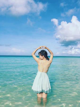 Nước biển ở Boracay có màu xanh cuốn hút.