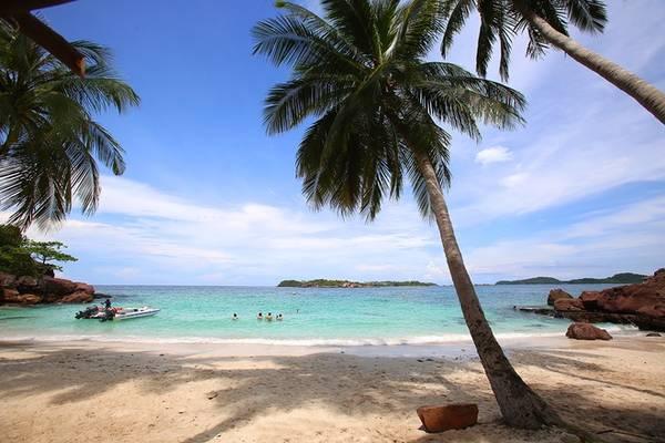 Hòn Móng Tay được coi là thiên đường thu nhỏ, với cảnh sắc hoang sơ chưa có tác động của con người về khai thác du lịch. Đây là điểm đến hấp dẫn khi đặt chân đến đảo ngọc Phú Quốc.