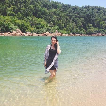 Bãi biển trong xanh hút hồn. Ảnh:@haphuongthu
