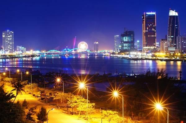 """Không chỉ được thiên nhiên ưu ái ban cho nhiều cảnh đẹp, Đà Nẵng còn được người dân nơi đây xây dựng và giữ gìn, xứng với danh hiệu """"thành phố đáng sống nhất Việt Nam""""."""