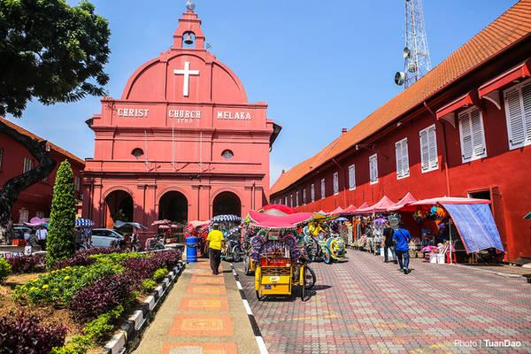 Góc quảng trường Hà Lan, nơi có nhà thờ Christ chirch Melaka nổi tiếng có tuổi đời hàng trăm năm.