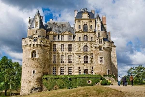 Lâu đài Brissac - Ảnh: wp