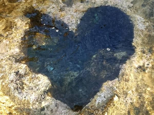 Hốc đá hình trái tim được nhiều bạn trẻ săn lùng. Ảnh: Minh Triết