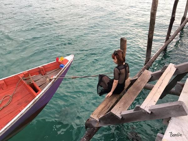 Sắc màu dễ thương của thuyền, của biển.