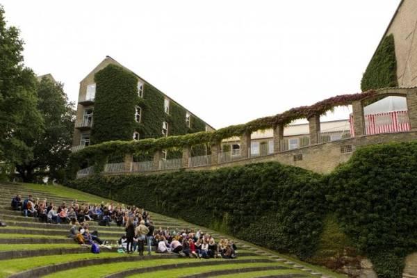 Một góc sân trường đại học Aarhus - Ảnh: stiften