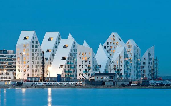 Khu phố Iceberg gồm những tòa nhà trắng có những điểm nhọn vươn cao như các đỉnh núi tuyết trên thung lũng, hứa hẹn là điểm tham quan mới ở Aarhus - Ảnh: wp