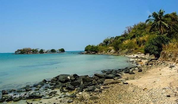 Đảo Hải Tặc mang vẻ đẹp hoang sơ, thơ mộng.
