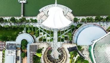 kien-truc-an-tuong-cua-singapore-nhin-tu-tren-cao-ivivu-1