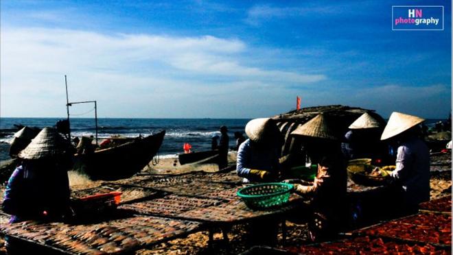 Ở Vũng Tàu, không ai nhớ các làng chài Bình Châu, Phước Hải, Phước Tỉnh, Bến Đá, Bến Đình… đã có bao nhiêu năm. Chỉ biết rằng, từ khi có biển, những làng chài này cứ thế sinh sôi, lớn dần lên.